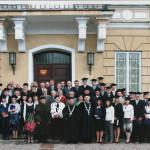 Absolwenci studiów magisterskich Wydziału Ogrodniczego, wykładowcy,goście - maj 2009