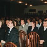 Podczas uroczystości wręczenia dyplomów pierwszym absolwentom Wydziału Administracji - marzec 2000