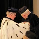 Medal Komisji Edukacji Narodowej z rąk Rektora otrzymuje dr Zbigniew Białobłocki, prof. nadzw.WSEH - Dyrektor ds Nauki i Jakości Kształcenia